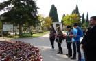 U posjetu gradskom groblju